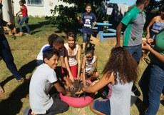 Estudantes do curso de Computação realizam atividades de sustentabilidade com alunos do ensino fundamental