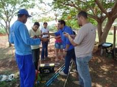 Estudantes estão construindo laboratório para as atividades práticas